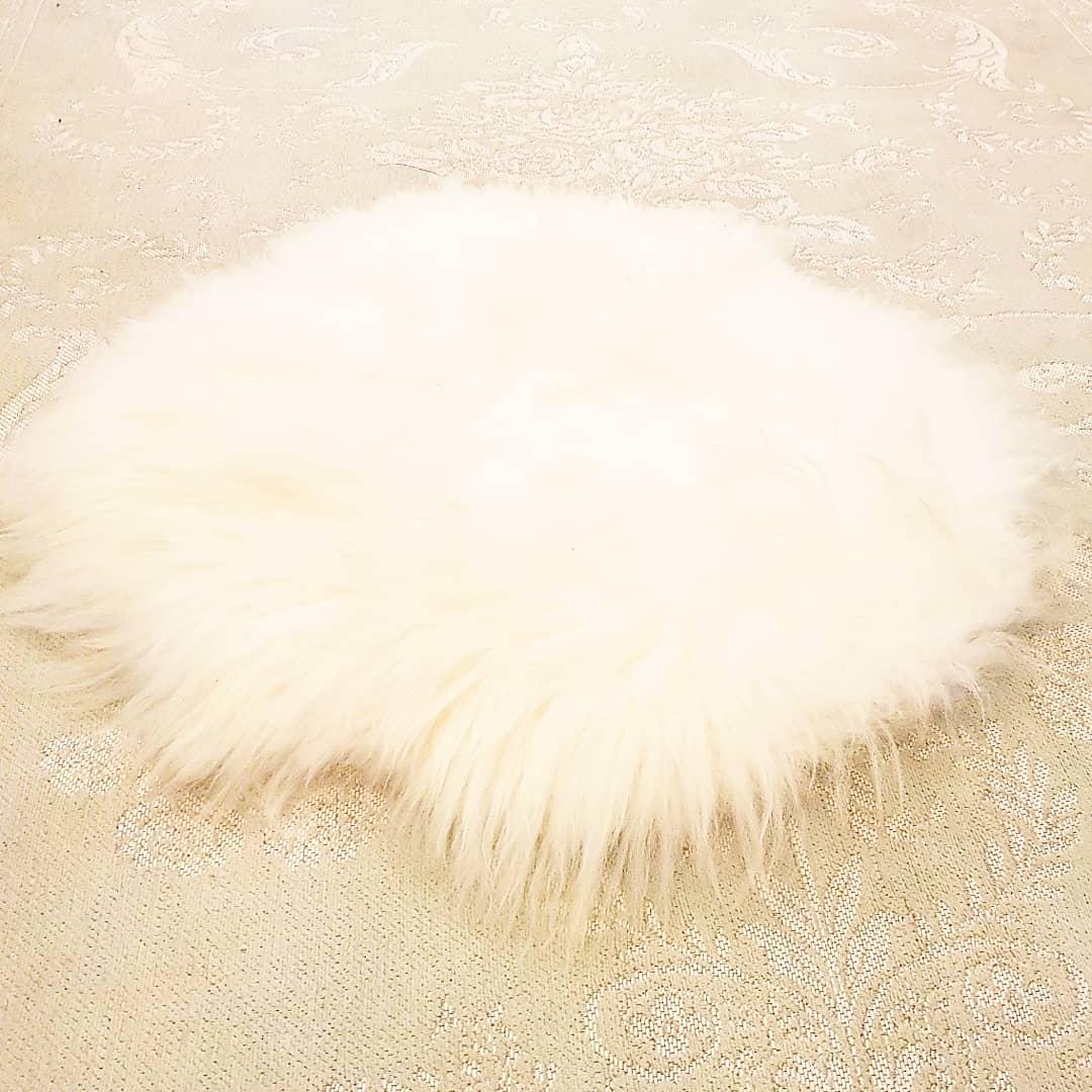 White Round Sheepskin Rug